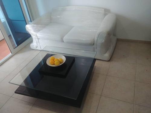 A seating area at ETHE Elite Residence Marina Dubai
