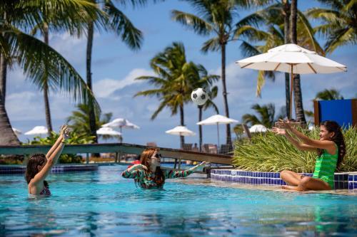 A piscina localizada em Summerville Resort - All Inclusive ou nos arredores