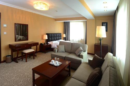 A seating area at Platinum Hotel Ulaanbaatar