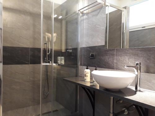 A bathroom at Affittacamere Delfo