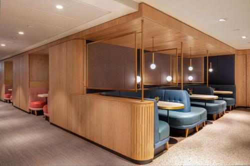 The lobby or reception area at Hotel Norge by Scandic