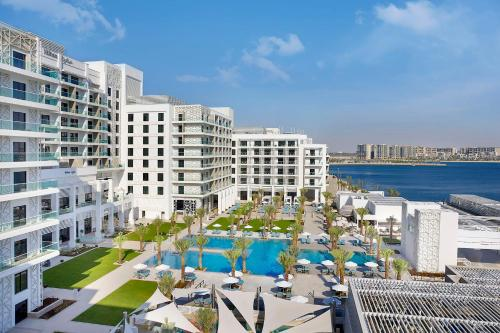 A view of the pool at Hilton Abu Dhabi Yas Island or nearby