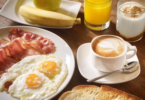 Options de petit-déjeuner proposées aux clients de l'établissement Hotel Bide Bide Tolosa