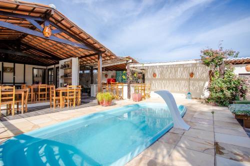 The swimming pool at or close to Pousada da Renata