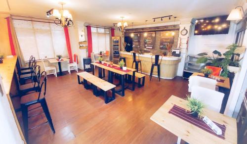 ホテル サガルナガにあるレストランまたは飲食店