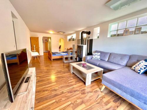 Ein Sitzbereich in der Unterkunft Pilatus Apartments