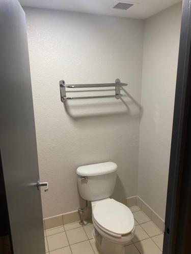 A bathroom at Quality Inn Spring Valley - Nanuet