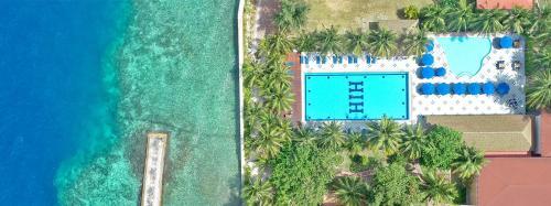 Een luchtfoto van Hulhule Island Hotel