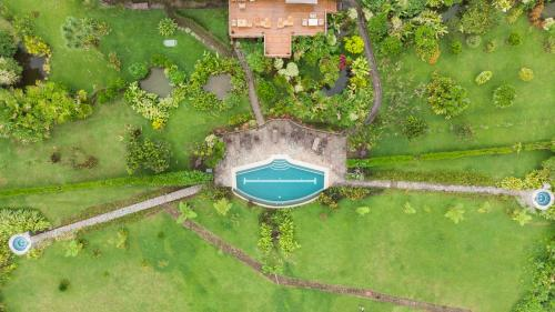 A bird's-eye view of Hotel Arenal Lodge