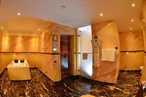 A bathroom at Swiss Diamond Hotel Prishtina