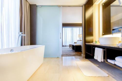 A bathroom at Hilton Panama