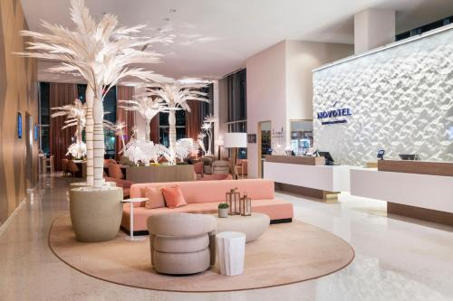 The lobby or reception area at Novotel Miami Brickell
