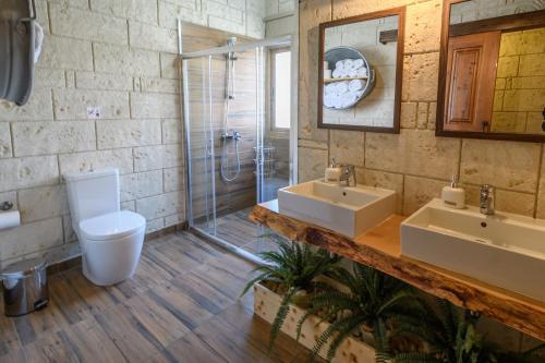 A bathroom at Vasiliou House