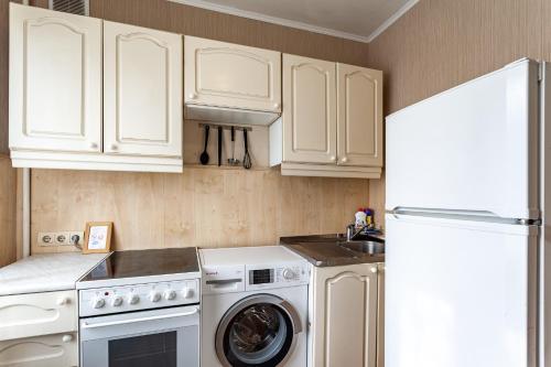 Кухня или мини-кухня в Standard Brusnika standart Yaseneva