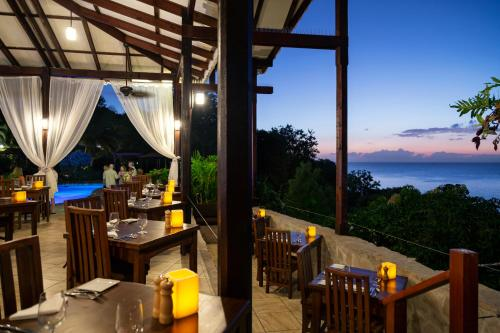 A restaurant or other place to eat at Ti Kaye Resort & Spa