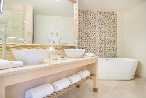 A bathroom at Waldorf Astoria Panama