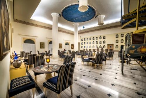 A restaurant or other place to eat at Fort Rajwada