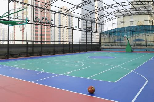 Tennis and/or squash facilities at Asia International Hotel Guangdong or nearby