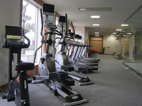 The fitness centre and/or fitness facilities at Hotel Granvia Kyoto
