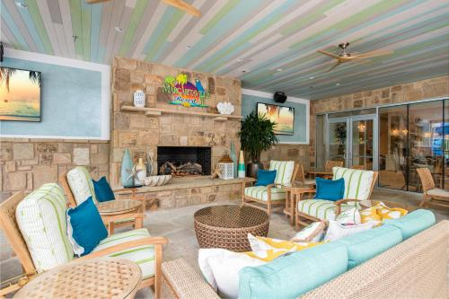 A seating area at Margaritaville Resort Gatlinburg