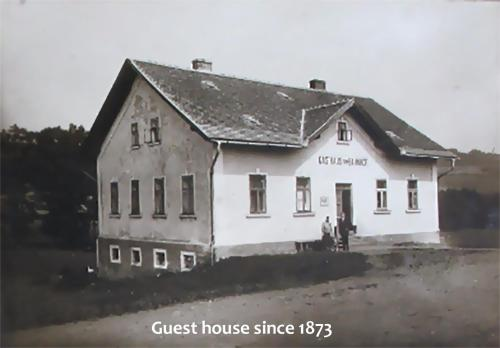 Guest House SAMSON during the winter