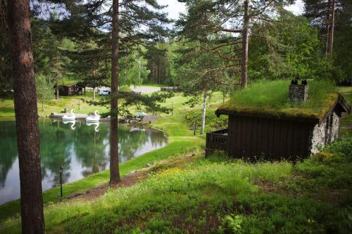 En hage utenfor Hunderfossen Hotel & Resort