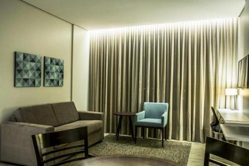 Гостиная зона в Comfort Hotel & Suítes Rondonópolis
