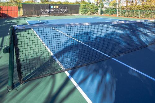Tennis and/or squash facilities at Bluegreen Vacations Orlando Sunshine Resort or nearby