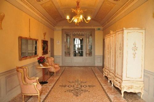 A seating area at Albergo Villa San Giuseppe