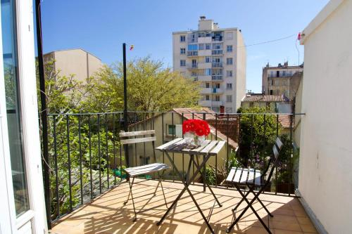 A balcony or terrace at Large Apartment with Quiet Terrace