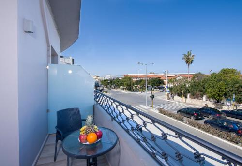A balcony or terrace at Stoa Suites Chania