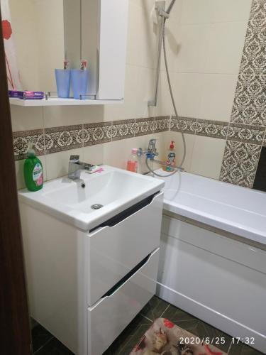 Ванная комната в KOMFORT около набережной