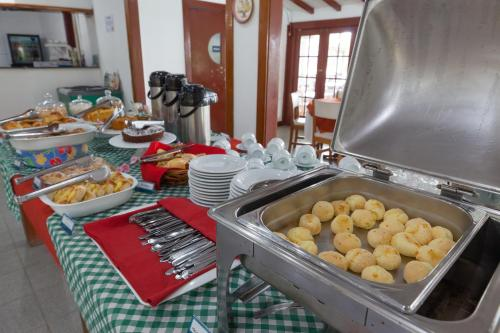 Breakfast options available to guests at Samba Angra dos Reis