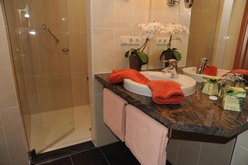 Ein Badezimmer in der Unterkunft Hotel Goldner Anker