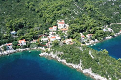A bird's-eye view of Mljet 4 You - seafront apartment