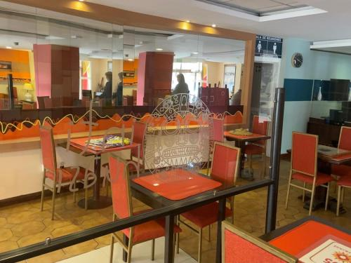 A restaurant or other place to eat at Hotel Inti Huasi