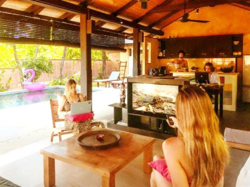 A restaurant or other place to eat at Alanta Villa - SHA Plus