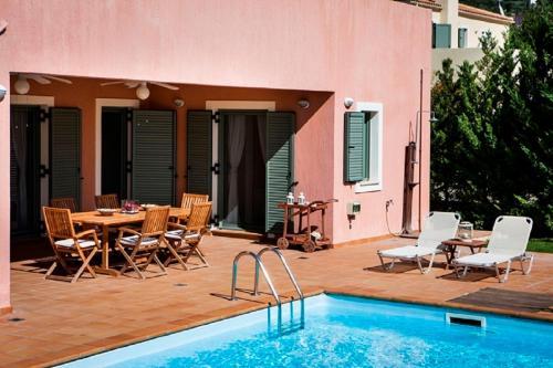 Patio o area all'aperto di Villa Eleni