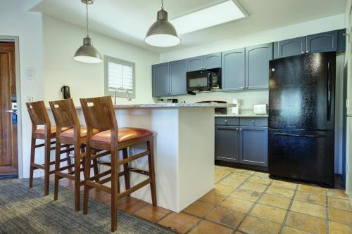 A kitchen or kitchenette at Starr Pass Golf Suites
