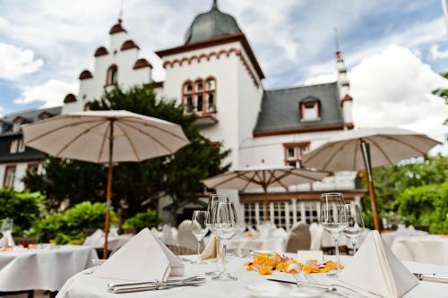Ein Restaurant oder anderes Speiselokal in der Unterkunft Hotel Kronenschlösschen