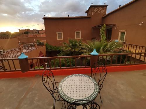 A balcony or terrace at Riad Dades Birds