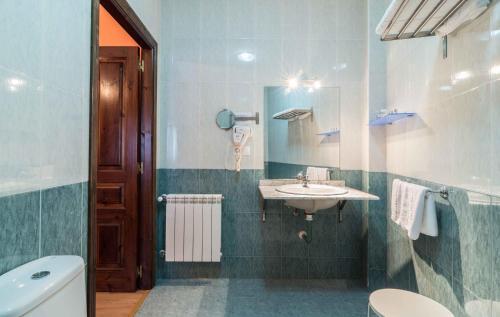 Un baño de Hotel Casa Reboiro