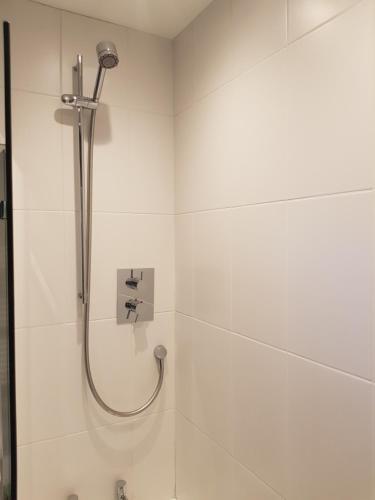 A bathroom at Limes Apartments