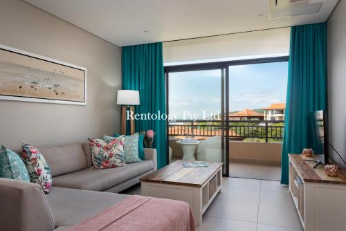 A seating area at Gorgeous 1 Bed Zimbali Suites Sea View