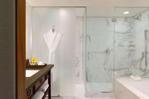 A bathroom at Shangri-La Vancouver