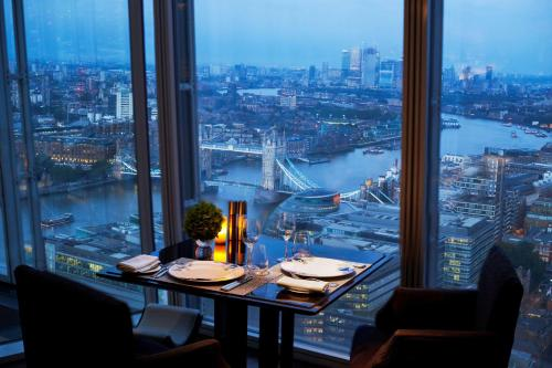 A restaurant or other place to eat at Shangri-La The Shard, London