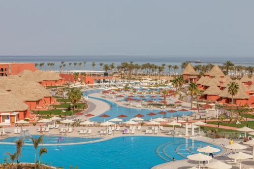 Вид на бассейн в Albatros Laguna Vista Resort - Families and Couples Only или окрестностях
