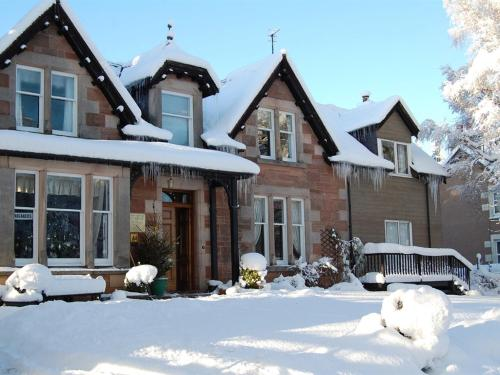 Glenan Lodge Guest House during the winter