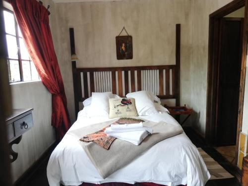 A bed or beds in a room at Kings Castle