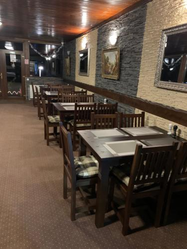 A restaurant or other place to eat at Villa Platinvm